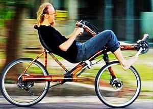 (Kluas Volkmann, the bike's creator, taking it for a test ride in Brazil)